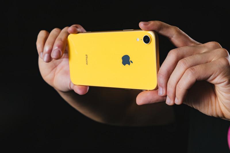 iPhoneXR の外向きカメラで撮影する