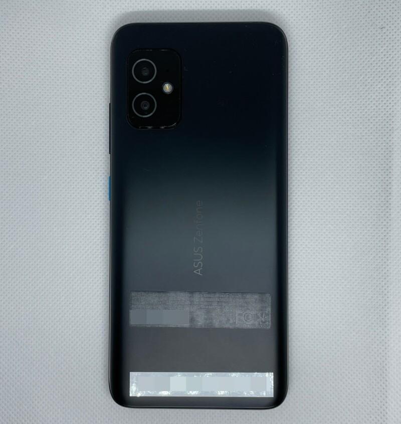 「Zenfone 8」背面